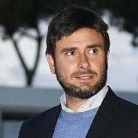 """Elezioni regionali, Alessandro Di Battista va in Puglia contro Emiliano. Crimi: """"Non è un..."""