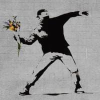 """Gb, Banksy perde il marchio di 'Flower Launcher'. Ue: """"Se resta anonimo non è id..."""