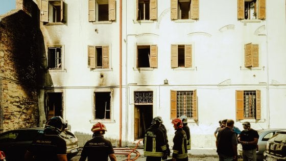 """Verona, esplosione in un palazzo in centro. I testimoni: """"E"""