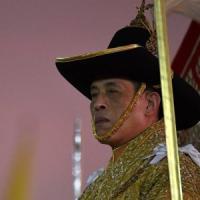 38 aerei per un sovrano: la Thailandia pronta a scendere in piazza contro le spese folli...