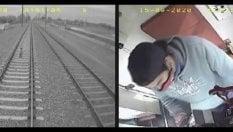 Bimbo di tre anni sui binari del treno: il macchinista lo salva