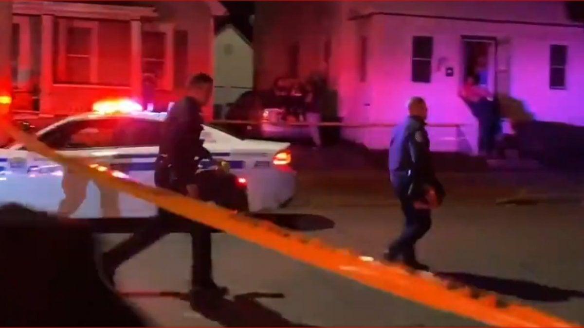 Usa, Rochester: sparatoria durante un party illegale. Morti due ragazzi, almeno 16 feriti thumbnail