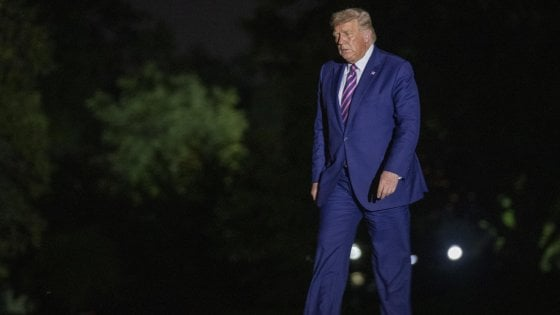 Usa, spedito a Trump un pacco con sostanza tossica: arrestata una donna