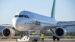Dalla rinascita di Alitalia al rilancio di Wizz Air: le compagnie puntano su collegamenti medi e brevi