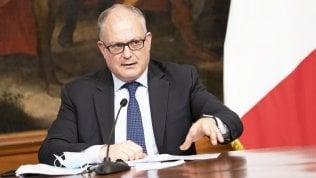 """Gualtieri: """"Nel 2021  stop a cassa integrazione per tutti. Calo Pil nel 2020 sarà a una cifra"""""""