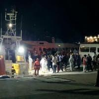 Migranti, assedio a Lampedusa: 26 sbarchi in 24 ore