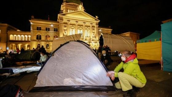 Una manifestazione per la lotta al cambiamento climatico a Berna