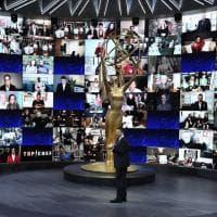 Emmy, le star da casa per l'edizione virtuale degli Oscar della tv