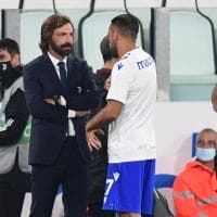 Abbracci, urla e applausi: l'esordio di Pirlo sulla panchina della Juve