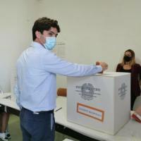Elezioni regionali Marche, centrosinistra perde dopo 25 anni. Vince Acquaroli di FdI