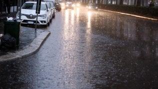 Estate addio: a partire dal Nord, arriva la pioggia e calano le temperature