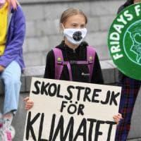 """I ragazzi del clima tornano in piazza: """"Fate presto, il riscaldamento globale divide il..."""