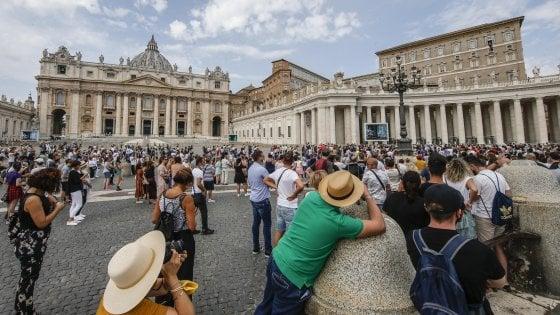 """Vaticano, no a eutanasia e suicidio assistito: """"Sono crimini contro la vita umana"""""""
