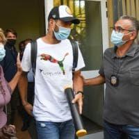 """Suarez, le intercettazioni sull'esame truffa a Perugia: """"Non coniuga i verbi, parla..."""