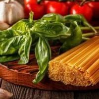 La dieta mediterranea fa bene alla salute e al portafoglio