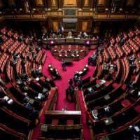 Decreto Covid, il Senato conferma la fiducia con 143 sì: è legge
