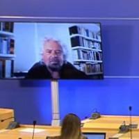 """M5S, Grillo: """"Non credo nel Parlamento ma nella democrazia diretta. Gli eletti? Meglio se..."""