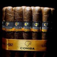 Stati Uniti, Trump strizza l'occhio agli esuli di Miami: stop a sigari e rum da Cuba