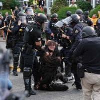 Usa, agente che uccise Breonna Taylor solo negligente, scoppia la rivolta: feriti due...