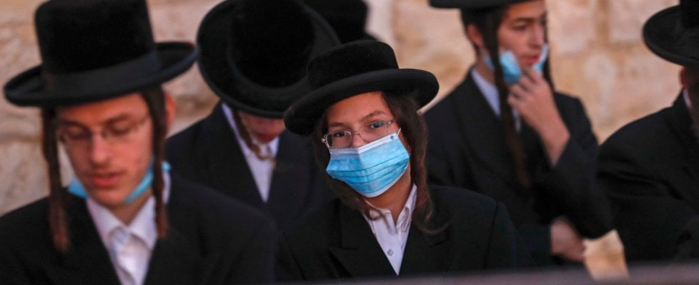 Coronavirus nel mondo: Israele torna al lockdown totale fino al 9 ottobre
