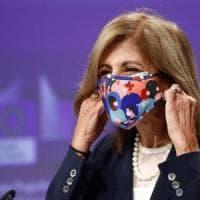 """Coronavirus, l'allarme della Ue: """"In alcuni Paesi la situazione è peggiore che a marzo"""""""