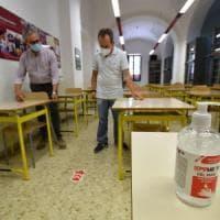"""Scuola, nuova circolare di Speranza: """"Sempre tamponi per casi sospetti"""""""