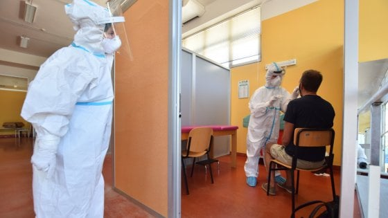 "Coronavirus, ""casi in aumento in 10 Regioni. Rt a 0.95"""