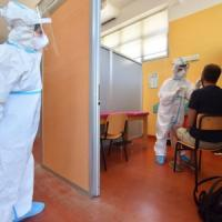 """Coronavirus, casi in aumento in 10 Regioni. """"Impatto sulle scuole in 2-3 settimane"""""""