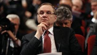 """Il governatore Visco: """"Il Mes? Solo vantaggi. Nessuno stigma se soldi spesi bene"""" video"""