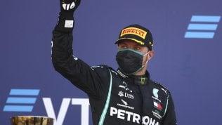 Gp Russia: Hamilton si distrae e manca il record di Schumacher. A Sochi vince Bottas davanti a Verstappen, Lewis è 3°