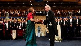 """""""Chiudiamo la Francia durante l'Avvento per salvarla"""": l'appello dei due Nobel per l'economia"""