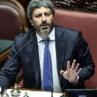 """Cacciato dalla madre perché gay, Fico raccoglie l'appello di Manuel: """"Abbiamo bisogno di..."""