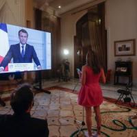"""Libano, la rabbia di Macron: """"Mi vergogno per questa classe dirigente"""""""