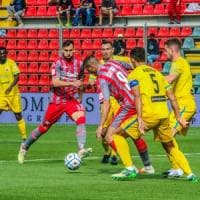 "Serie B: tifosi senza mascherina, la Cremonese ""richiude"" lo stadio"
