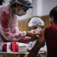 """Coronavirus, l'agenzia europea del farmaco: """"Iniziato iter di approvazione del vaccino"""""""