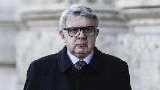 Misteriosa aggressione a Longo, avvocato di Berlusconi: picchiato da due donne e un uomo