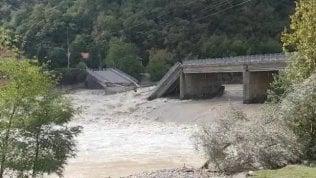 Il ponte crollato sul Sesia tra Romagnano Sesia e Gattinara