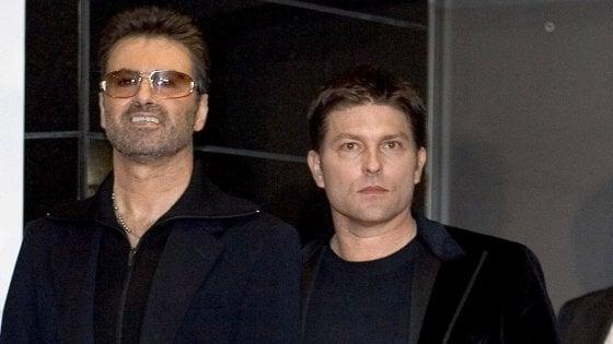 Ex fidanzato di George Michael fa causa alla famiglia: vuole 15mila sterline al mese