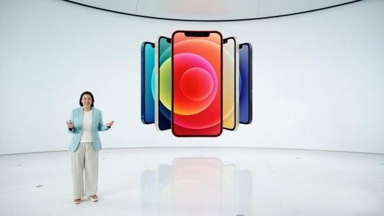 Apple svela l'iPhone 12, il primo 5G. Salto generazionale per prestazioni e fotografia. E c'è anche la versione Mini