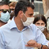"""Coronavirus, scontro Governo-Comuni su chiusura piazze, Decaro: """"Norma inapplicabile"""""""
