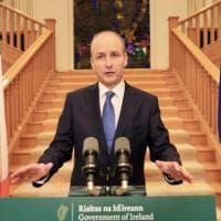 Coronavirus nel mondo: gli Usa superano le 220 mila vittime, in Irlanda torna il lockdown
