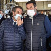 Coprifuoco in Lombardia, firmata l'ordinanza. Salvini prova a frenare Fontana e scatena...