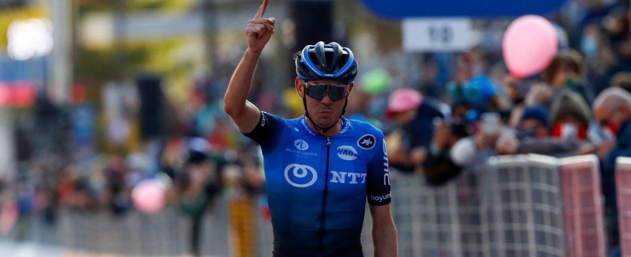 Ciclismo, Giro dItalia: stavolta OConnor vince. Kelderman e Hindley sbagliano, e Almeida si tiene la rosa
