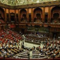 Camera, le proposte di Fico per ridurre i contagi dei deputati: voto a distanza o...