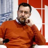 """Covid, la teoria di Salvini: """"Contagiati non vuol dire che sono malati"""""""