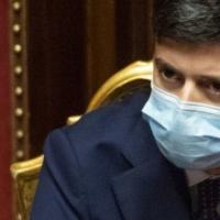 Covid, Speranza posticipa la vendita del suo libro sulla pandemia
