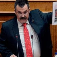 Grecia, il numero due di Alba Dorata sfugge all'arresto: deve scontare 13 anni
