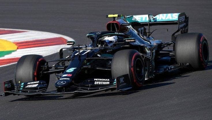 F1, Gp Portogallo: Bottas mette tutti in fila nelle prime libere, incidente tra Verstappen e Stroll