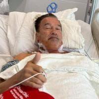 """Schwarzenegger di nuovo operto al cuore: """"Sto benissimo, grazie a tutti"""""""
