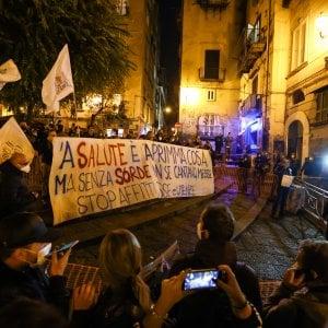 095522322 c5690ae0 02f8 44f2 b5e1 768aa7bc4d3b - Protesta Dpcm, a Lecce manifestanti forzano cordone della polizia